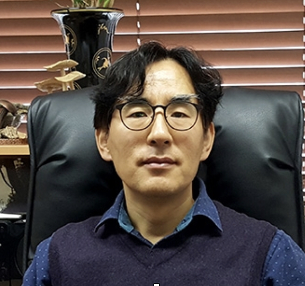 Assoc. Prof. Dr. Young Woon Lim